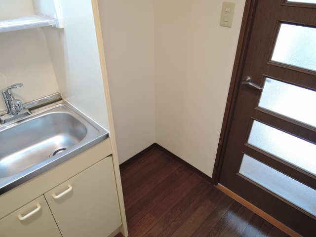 シュロス アービック 1階 冷蔵庫スペース
