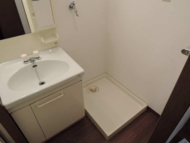 シュロス アービック 1階 洗濯機スペース