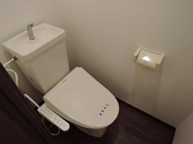 シュロス アービック 1階 WC