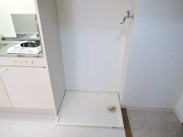 レジデンス滝子館 3階 洗濯機置場