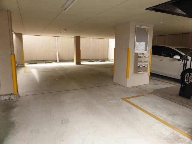 セレーノ御器所 3階 駐車場