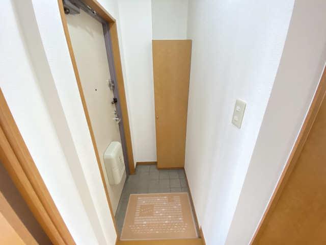 セレーノ御器所 3階 玄関