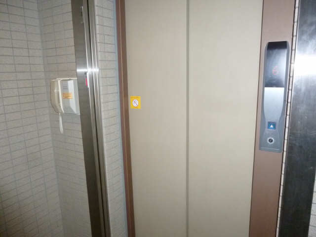 クレストMK荒畑 5階 エレベーター