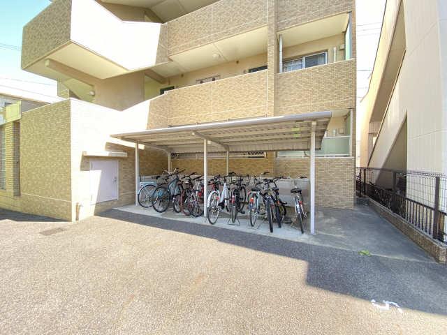 グラン・エスパスⅠ 3階 駐輪場