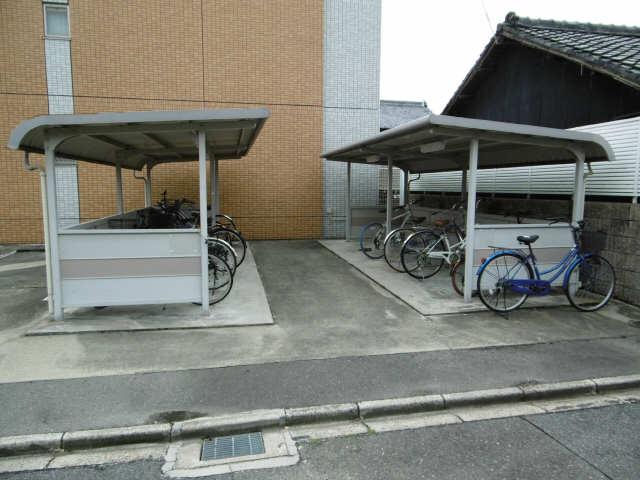 鶴羽之彩 3階 駐輪場