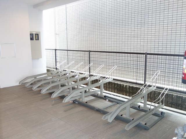 ドミール御器所 駐輪場