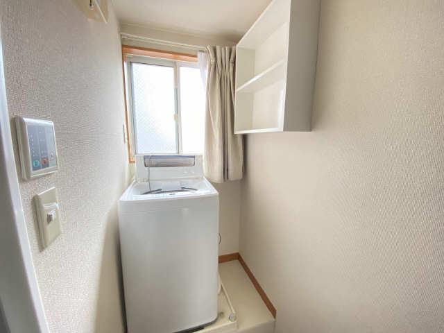 レオパレス和楽 2階 洗濯機置場