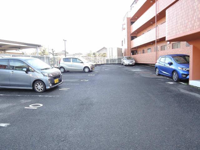 イルプリンチパーレ 4階 駐車場