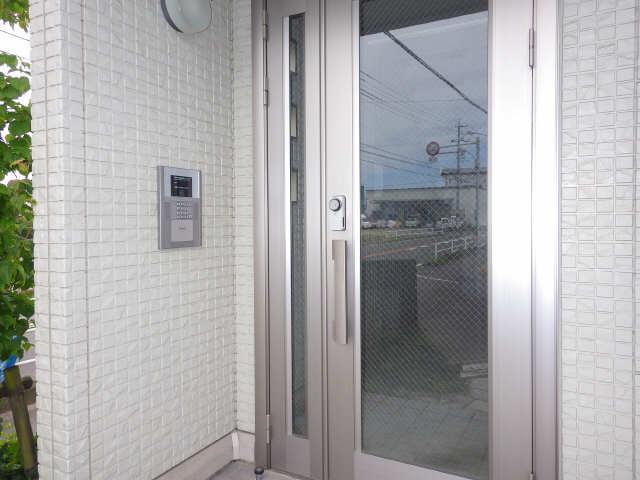 マノワール十六田 1階 エントランス