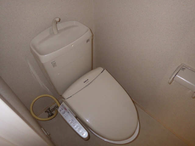 マノワール十六田 1階 WC