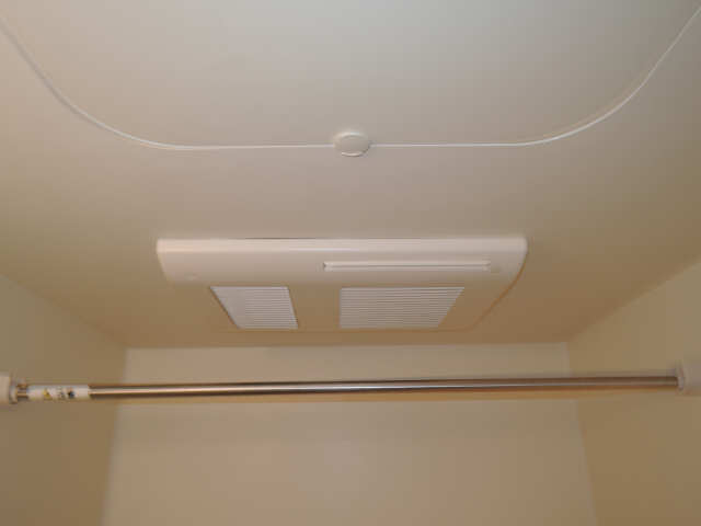ドミール御日塚 1階 浴室乾燥機