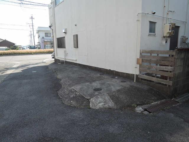 DIYペット可古民家風借家  駐車場