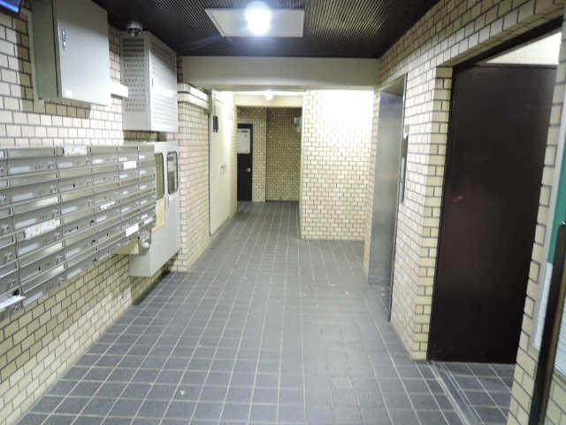 ウーリィパレス大森 3階 ロビー
