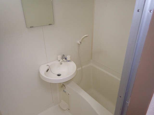 ラ・ウォーム 4階 浴室