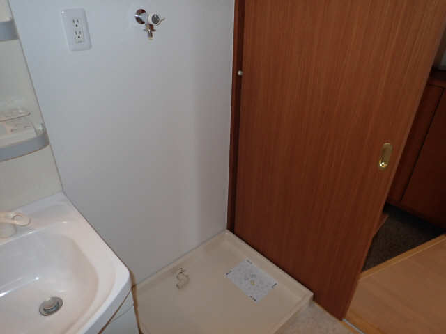 THREE ARTS 3階 洗濯機置場