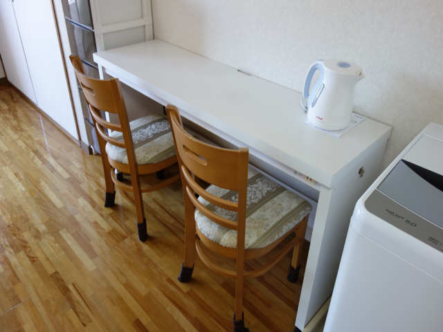緑園第2サンコーポ 3階 テーブルセット付