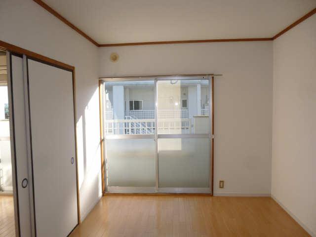 メゾンドジョイフル 2階 室内