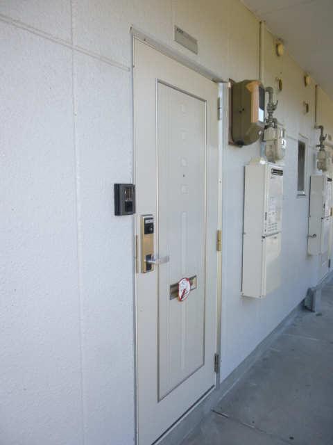 メゾンドジョイフル 2階 玄関