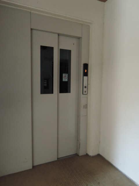 アクシスヨーロッパ壱番館 5階 エレベーター