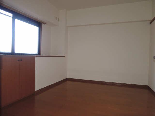 アクシスヨーロッパ壱番館 5階 室内