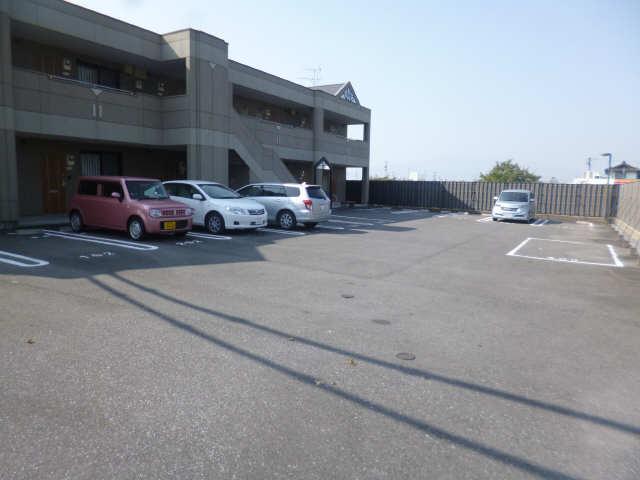 ボア・ソルテ 1階 駐車場