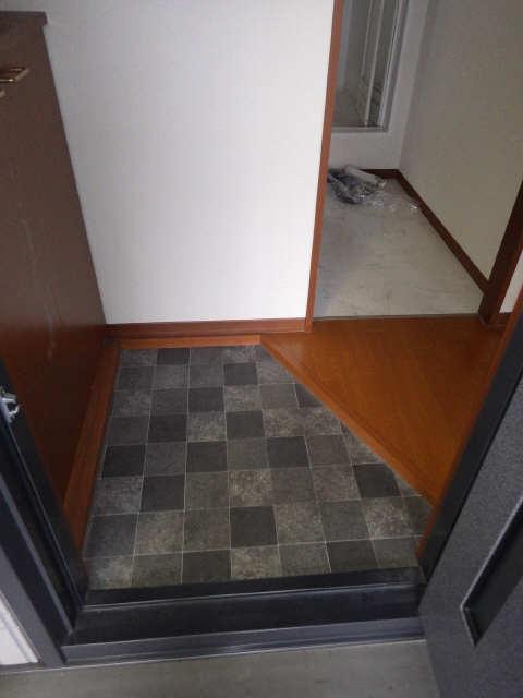 サニーコート保見南山 B棟 2階 玄関