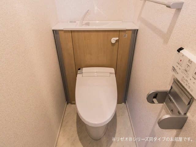 シュピーレン 3階 WC
