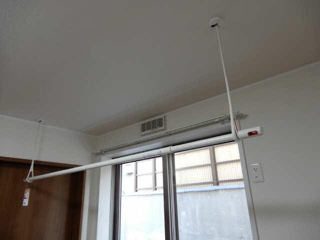 エルメゾン平川本町 1階 室内物干し