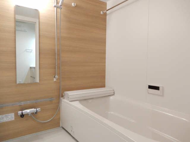 エルメゾン平川本町 1階 浴室