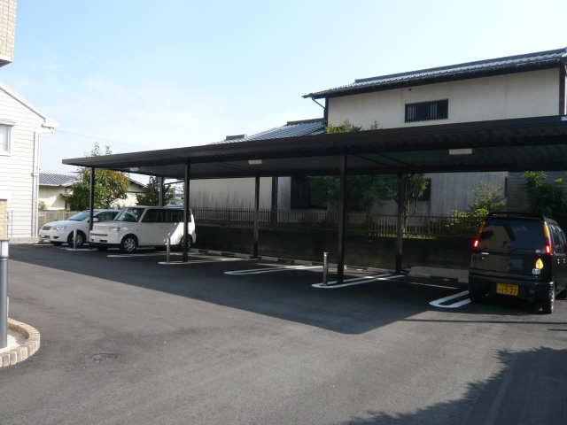 ラポールSAKURA 3階 駐車場