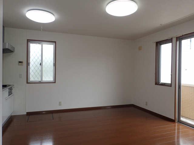ラポールSAKURA 1階 リビング