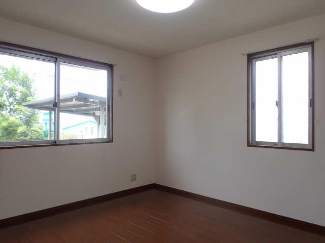 ラポールSAKURA 1階 洋室