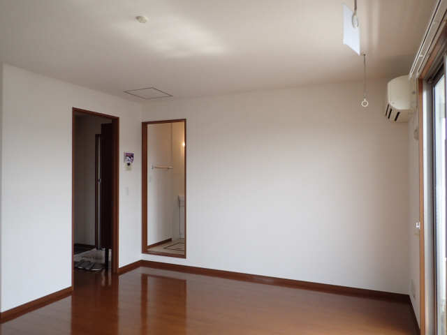 ラポールSAKURA 3階 リビング
