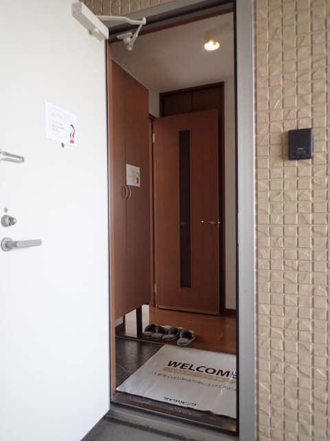 ラポールSAKURA 3階 玄関
