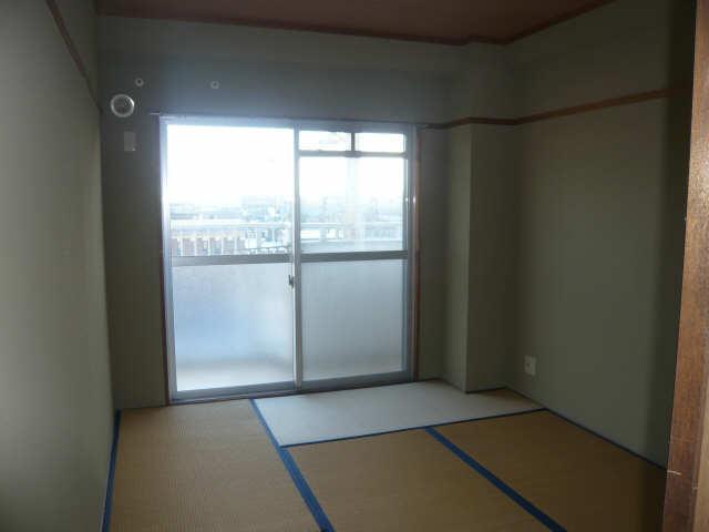 ロイヤルマンションHAMADA 2階 室内