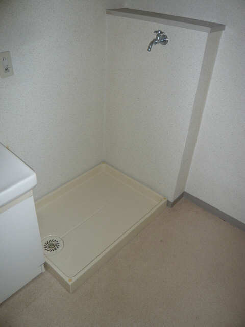 ロイヤルマンションHAMADA 3階 洗濯機置場
