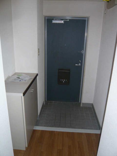 ロイヤルマンションHAMADA 4階 玄関