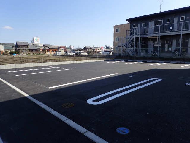 D-room tokiwaA棟 駐車場