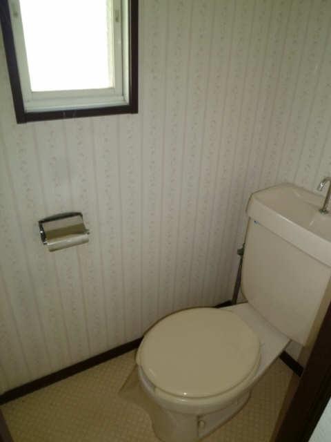サンライフ・S 2階 WC