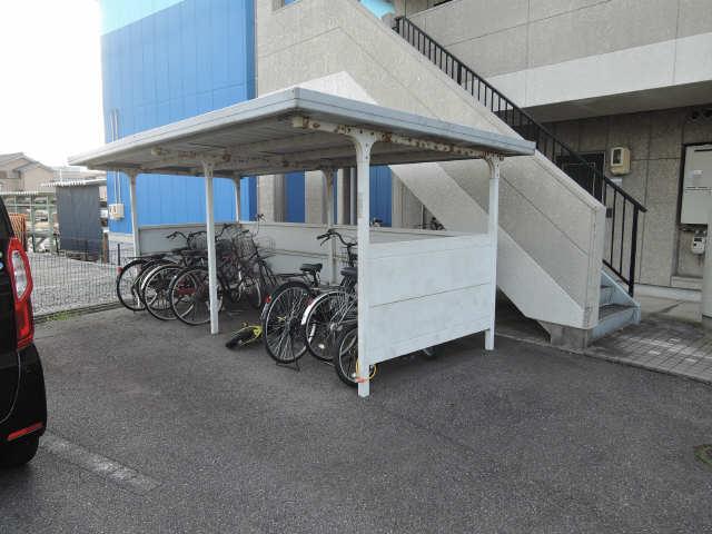 リヴィエール 駐輪場
