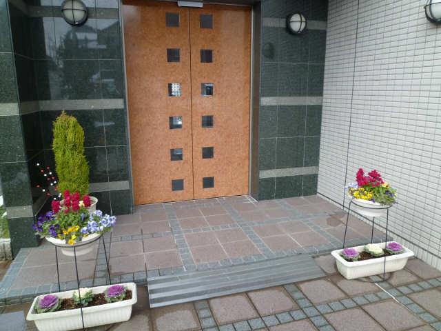 パッヘルカノン雁宿 1階 エントランス