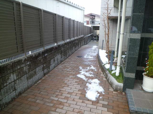 パッヘルカノン雁宿 1階 共有部分