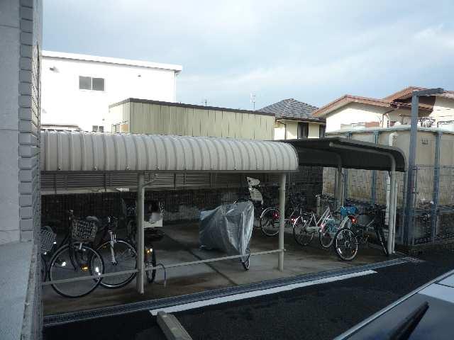 パッヘルカノン雁宿 1階 駐輪場