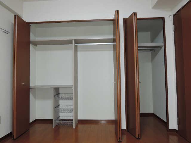 パッヘルカノン雁宿 1階 収納