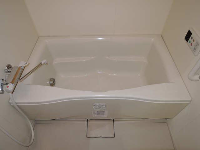 パッヘルカノン雁宿 1階 浴室