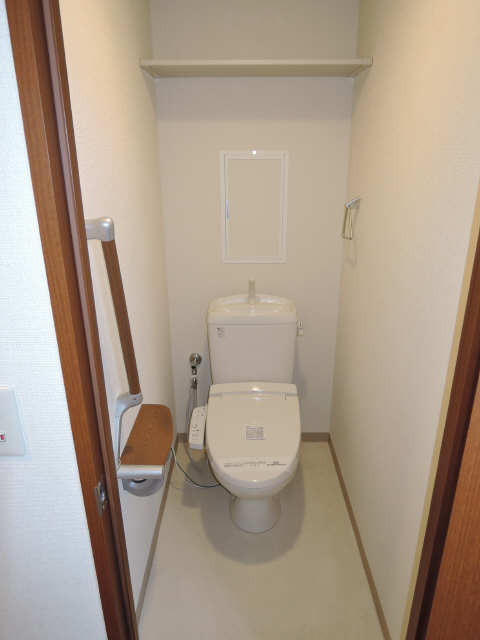 パッヘルカノン雁宿 1階 WC