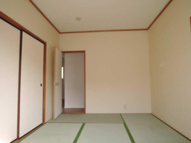 メゾニティヒルズ C棟 2階 和室