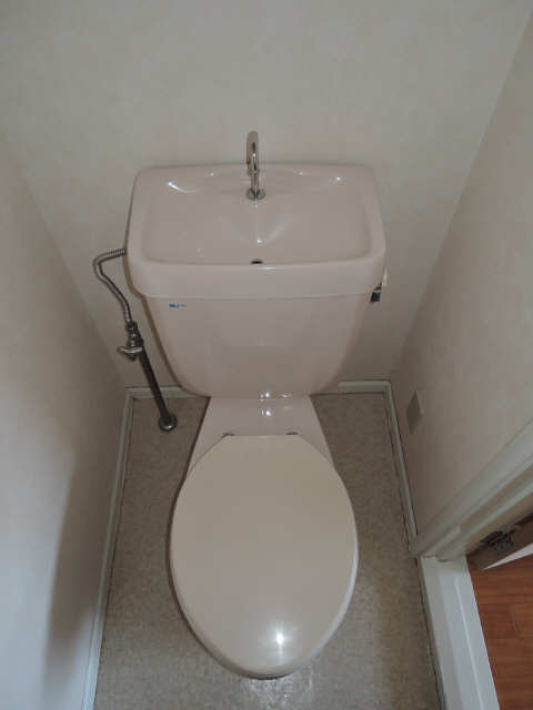 メゾニティヒルズ C棟 2階 WC