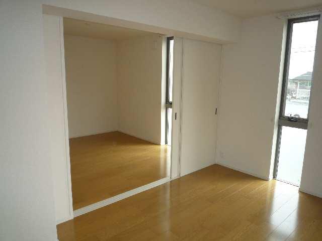 グリーンヒルズ和幸 3階 室内