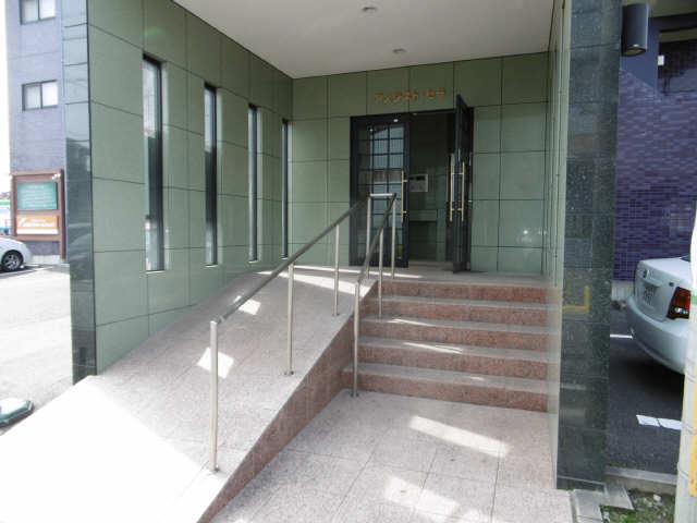 アメジスト・セラ 6階 エントランス